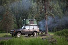 Jeep Tent, Jeep Camping, Top Tents, Roof Top Tent, 1999 Jeep Cherokee, Sport Suv, Cool Jeeps, Jeep Stuff, Roof Rack