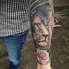 By @milkercordova #liontattoos #liontattoo