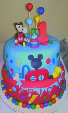 Mickey clubhouse themed cake