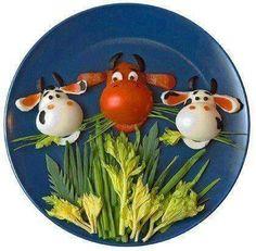Bull and Cow Snacks! How To Make Salad, Food To Make, Cute Food, Good Food, Kreative Snacks, Deco Buffet, Food Art For Kids, Creative Food Art, Food Decoration