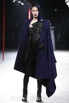 Yohji Yamamoto Ready To Wear Fall Winter 2012 Paris - NOWFASHION