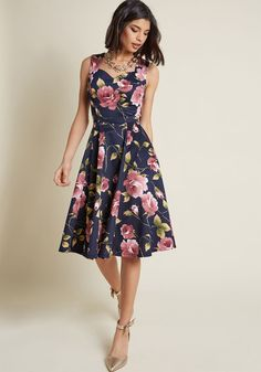 ModCloth Measured Magnificence Fit and Flare Dress in Navy Floral in - Sleeveless Fit & Flare Midi Flowery Dresses, Pretty Dresses, Navy Floral Dress, Casual Dresses, Fashion Dresses, Summer Dresses, Fall Dresses, Fit And Flare, Flare Dress