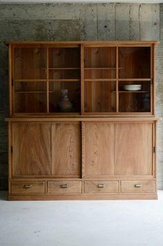 収納棚 Retro Furniture, Handmade Furniture, Find Furniture, Home Furniture, Furniture Design, Cabinet Shelving, Sideboard Cabinet, Kitchen Design, Interior Design