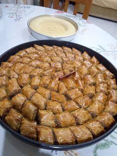Greek Sweets, Greek Desserts, Greek Recipes, Desert Recipes, Cake Mix Cookie Recipes, Cake Mix Cookies, Cake Recipes, Baklava Cheesecake, Turkish Baklava