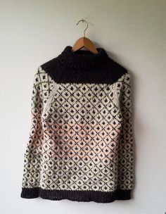 Top Down Raglan Sweater perfect for chilly days. Top Down Raglan Sweater perfect for chilly days. Knitting Designs, Knitting Stitches, Baby Knitting, Crochet Patron, Knit Crochet, Fair Isle Knitting, Knitwear, Knitting Patterns, Sweaters For Women