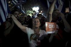 Greeks celebrate 'No' vote in referendum — RT In vision