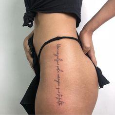 """""""Não me julgue pela coragem que te falta"""" • Tattoo na vertical • イatuadora / イattoois Pretty Tattoos, Cute Tattoos, Tatoos, Body Inspiration, Cute Jewelry, Tatting, Tattoo Quotes, Body Art, Piercings"""