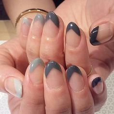 @zoe_beanz #handpainted by @nailsbymii #MiMi #gelnail #nailart #Vanityprojects