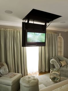 Verstecken vom TV sofa fernseher Sponsored Sponsored Hide TV from the TV set Tv In Bedroom, Master Bedroom, Bedroom Ideas, Master Suite, Bedroom Decor, Tv Escondida, Salas Lounge, Wall Mounted Tv, My Dream Home