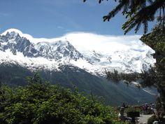 Chalet la Floria (right) and Mont Blanc Mount Rainier, France, Mountains, Nature, Travel, Mont Blanc, Naturaleza, Viajes, Destinations