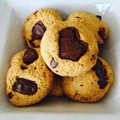 """"""" Biscoito de coco FIT  3 Cs farinha aveia  3 Cs farinha de coco caseira ( tem receita no meu IG)  3 Cs leite em pó desnatado…"""" Cs, Dec 12, Muffin, Cookies, Breakfast, Instagram Posts, Desserts, Coconut Flour, Powdered Milk"""