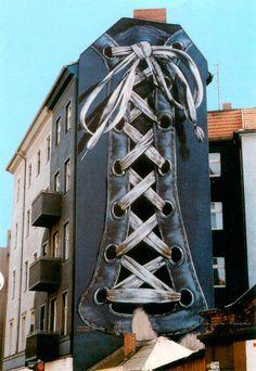 Berlin-Neukölln, Gert Neuhaus, 1984 gemalt und leider 1998 beim Abriss des Hauses vernichtet.