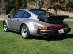 This 1987 Porsche 930 (chassis WPOJB0939HS050956) was purchased by the seller in 2005 and is finished in the attractive original Diamond Blu...