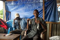 Achat de café à emporter pendant le ramadan -  Voyage-guinee.fr - @TripBPhotographie - #VoyageGuinee