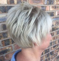 65 Gorgeous Gray Hair Styles Short Feathered Hairstyle For Gray Hair hair cuts for women Haircut For Older Women, Haircuts For Fine Hair, Short Bob Hairstyles, Scene Hairstyles, Gray Hairstyles, Pixie Haircuts, Medium Hairstyles, Braided Hairstyles, Wedding Hairstyles