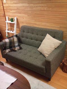 securedownload2.jpg今回は、NOCE名古屋店でご購入頂いた A様宅のソファをご紹介したいと思います。こちらのソファはサイズ(2人掛け)も123cmと 小ぶりなタイプなので 1人暮らしの方によく売れている商品です。 カラーは、1色だけですが A様のようにクッション1つ置いただけでも ガラリと雰囲気も変わります。