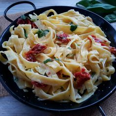 Super creamy and totally vegan pasta packed with flavour from sun-dried tomatoes and fresh basil. Best of all it's ready to eat in under 30 minutes!