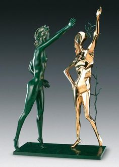 L'Espace Dalí  à Montmartre, la seule exposition permanente en France entièrement consacrée à Salvador Dalí, le Maître du surréalisme.