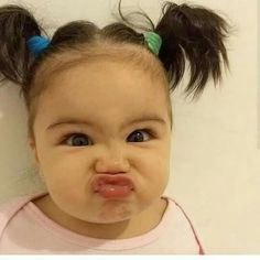 Have you ever tried to give medicine to a child who totally refuses to open her mouth? Or one who spits it out after you somehow got it in? Funny Babies, Funny Kids, Cute Kids, Cute Babies, Baby Kids, Beautiful Eyes, Beautiful Babies, Kissy Face, Cute Baby Photos