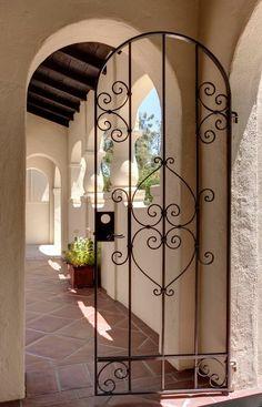 Trendy Ideas For House Exterior Spanish Iron Gates Spanish Style Homes, Spanish House, Spanish Revival, Patio House Ideas, Patio Ideas, Iron Garden Gates, Gate House, Wrought Iron Gates, Hacienda Style