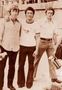 Bruce Lee Chuck Norris Awesome People Hanging Out Together | Abduzeedo Design Inspiration