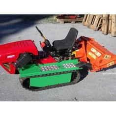Raupentraktor WB - NIBI 160 - inkl. Spatenmaschine (Occasion) Lawn Mower, Outdoor Power Equipment, Caterpillar, Lawn Edger
