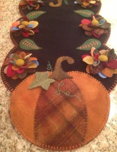 Primitive Wool Penny Rug Pumpkins and Mums Fall by MaggysPennies
