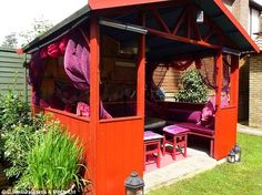 Is this the ultimate sanctuary? Rise of the SHE shed for women #dailymail