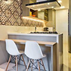 """201 curtidas, 2 comentários - Decor Brasil ®️ (@decor_brasil) no Instagram: """"Não é porque a cozinha é pequena, que não pode ficar super charmosa! ❤️ Um projeto é tudo! 😍…"""""""