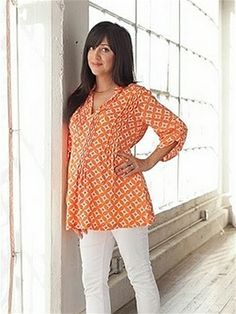 FASHION DUES & DUEN'TS - Retro Maternity Style Category | Lovely color and great 60's print. Trina Tunic