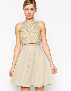 Pin for Later: Die 50 schönsten Kleider für deinen Abiball  ASOS Kleid mit verziertem, kurzem Oberteil (110 €)