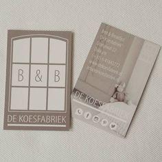 Blij! Onze visitekaartjes zijn er! #visitekaartjes #koesfabriek #logo #sfeervolwonen #sfeervolovernachten #overnachten #centrum #stad #Dokkum #home #b&b #bedandbreakfast #bedenbreakfast #styling #landelijk #bedstedes #bedstee