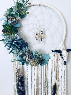 Your place to buy and sell all things handmade Diy Vanity, Diy Dream Catcher Tutorial, Dream Catcher Craft, Diy Holz, Boho Diy, Diy Crafts To Sell, Diy Gifts, Creations, Arts And Crafts