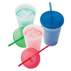 Double walled tumbler with lid and straw changes colors when filled with iced beverage