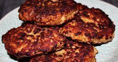 800 g broilerin jauhelihaa 1-2 sipulia 1 kananmuna 1 dl kermaa paprikajauhetta suolaa mustapippuria rasvaa paistamiseen ... Kermit, Salmon Burgers, Ethnic Recipes, Food, Salmon Patties, Eten, Meals, Diet