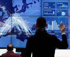 Demonstração de um centro de monitoramento para linhas aéreas em Hannover, Alemanha