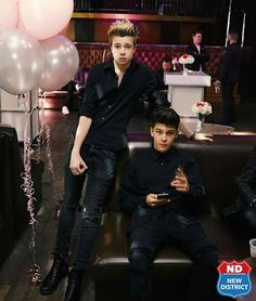 New District, Handsome Boys, 5sos, Stars, People, Mens Leather Pants, Pretty Boys, Cute Boys, Sterne