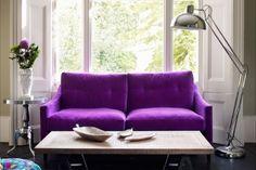 sala en color violeta