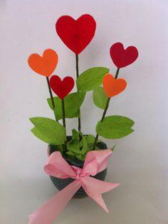 DIY Valentine's Day Decoration #DIY #Valentines