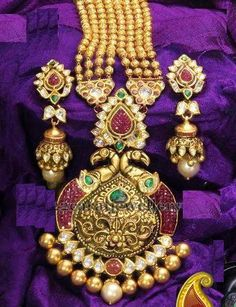 Jewellery Designs: Kundan Haram with Peacock Pendant Traditional Indian Jewellery, Indian Jewellery Design, Jewelry Design, Nice Jewelry, India Jewelry, Temple Jewellery, Gold Jewellery, Jewelery, Latest Jewellery