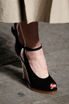 0f8c305859e0 Sfilata Bottega Veneta Milano - Collezioni Primavera Estate 2017 - Dettagli  - Vogue