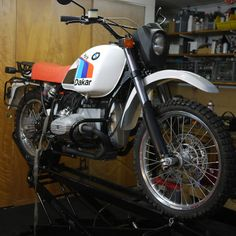 Take a peek at several of my well liked builds - custom made scrambler designs like Bmw 100, Brat Cafe, Bmw Scrambler, R80, Motorcycle Engine, Moto Bike, Bmw Motorcycles, Moto Guzzi, Car Insurance