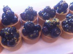 mini blueberry pistachio tarts Pistachio, Tarts, Blackberry, Minis, Cheesecake, Fruit, Desserts, Food, Pistachios
