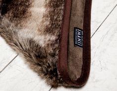 IMANII Hundedecke ,Wolf' aus feinstem Webpelz und Alcantara. IMANII dogblanket, finest faux fur. IMANII The perfect combination of design, function and comfort in dog accessories. www.imanii.com