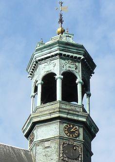 Mons (Hainaut, Wallonie, Belgique): le beffroi de l'hôtel de ville by Marie-Hélène Cingal, via Flickr