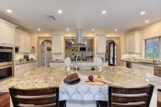 Stunning kitchen! #folsom #martelloneal #kellerwilliams #luxury