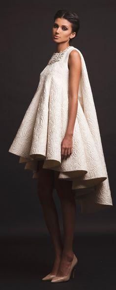 Krikor Jabotian Capsule 2016 - Couture - http://www.orientpalms.com/Krikor-Jabotian-6467