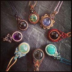 Pin by Sheryl Savage on Jewelry Collar Macrame, Macrame Colar, Macrame Art, Macrame Necklace, Macrame Knots, Macrame Bracelets, Loom Bracelets, Friendship Bracelets, Hemp Jewelry