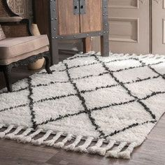 Shop for nuLOOM Hand-knotted Moroccan Trellis Natural Shag Wool Rug (6' x 9'). Get free shipping at Overstock.com - Your Online Home Decor Outlet Store! Get 5% in rewards with Club O! - 15179265