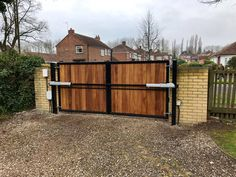 Metal framed driveway gates and estate gates. Huge range of gate designs, handcrafted in the UK to any size. From traditional metal framed driveway gates to modern gate designs. Really make an entrance Modern Driveway, Side Gates, The Dorchester, Electric Gates, Sliding Gate, Driveway Gate, Gate Design, Entrance, Modern Design